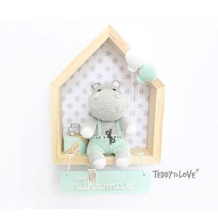 Porta Maternidade Amigurumi Baby Boy | Grão de Gente | 444x444